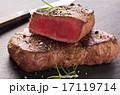 ステーキ肉 スレート板 カットの写真 17119714