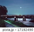 京都嵐山、桂川にかかる渡月橋と中秋の名月「日本百名橋」 17192490
