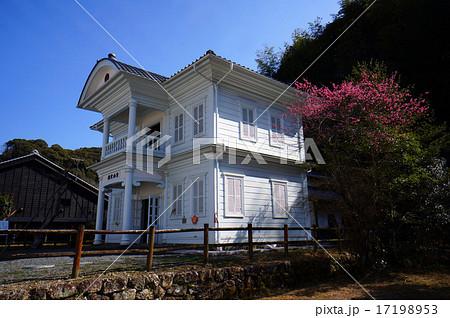 白くて小さいレトロな洋館旧青山文庫 17198953