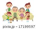 ソファに座る仲良し3世代家族 17199597