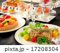 クリスマスパーティーのテーブル 黒背景 17208304