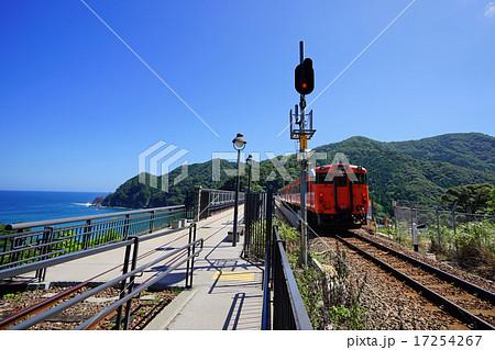 余部橋梁を渡る列車 17254267