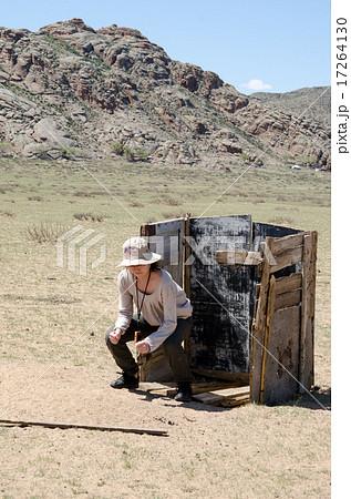 モンゴル 野外トイレ 17264130