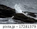 波しぶき 17281379