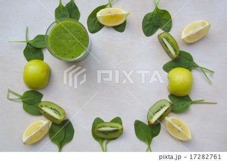 Detox smoothie ingredients backgroundの写真素材 [17282761] - PIXTA