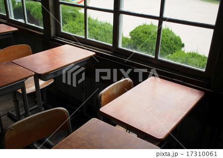 懐かしの学校机 17310061