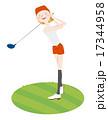 ゴルフをする女性 17344958