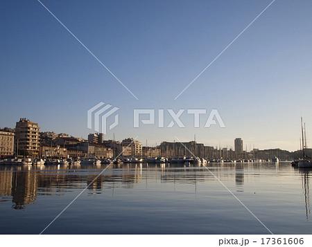 マルセイユ旧港(ヴュー=ポール・ド・マルセイユ) 17361606