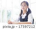 勉強をする制服姿の中学生の女の子 17397212