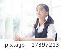 勉強をする制服姿の中学生の女の子 17397213