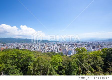 松山城からの松山市の眺め 17413047