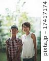 男の子 親子 女性の写真 17417174