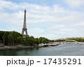 セーヌ川とエッフェル塔 17435291
