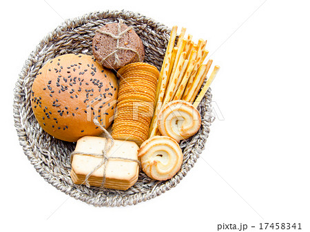 Whole wheat bread and biscuits in Basket weaveの写真素材 [17458341] - PIXTA
