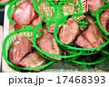 市場 魚屋店先のカレイ 17468393