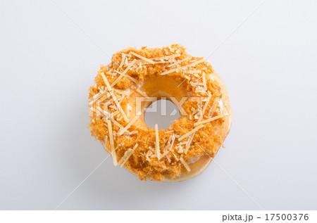 donut isolated on white background.の写真素材 [17500376] - PIXTA