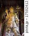 奈良県奈良市東大寺の大仏殿の多聞天像 17502412