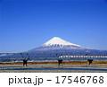 はがきサイズ富士山311富士川鉄橋と新幹線 17546768