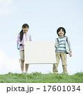 小学生 メッセージボード 子供の写真 17601034