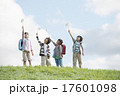 小学生 草原 子供の写真 17601098