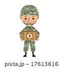 救援物資を持つ日本の自衛官 17613616
