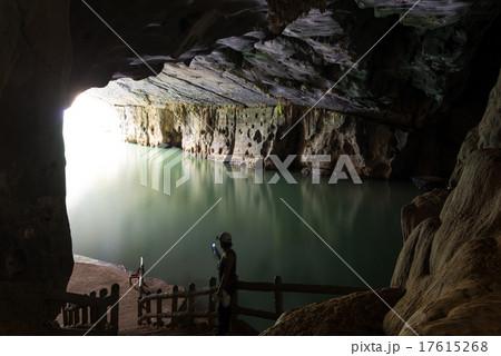世界自然遺産 ベトナム フォンニャケバン国立公園 フォンニャ洞窟 17615268