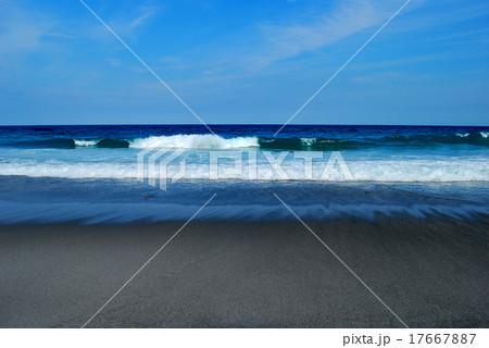 ビーチ 波 新島 17667887