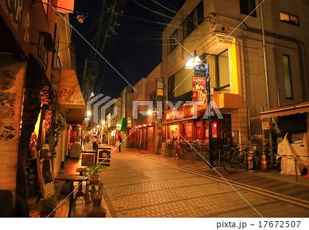 横須賀・どぶ板通りの夜の写真素...