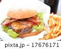 おいしいハンバーガー 17676171