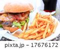 おいしいハンバーガー 17676172