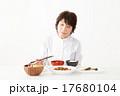 食欲がないシニア女性イメージ 17680104