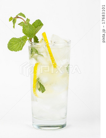 Healthy soda with lemon and mintの写真素材 [17683101] - PIXTA