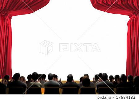 幕の開いた明るい舞台と観客のイラスト素材 17684132 Pixta