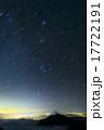 甲斐駒ヶ岳から昇る冬の星座と富士山・鳳凰三山 17722191