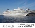 横浜港 大さん橋 大型客船の写真 17728087