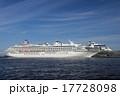 横浜港 大さん橋 大型客船の写真 17728098