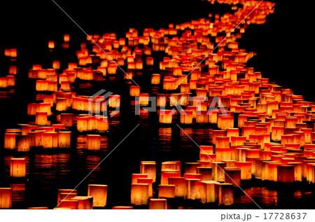 永平寺の大灯篭流し 17728637