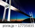女神大橋の夕暮れとライトアップ 17735835
