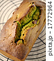 抹茶と金時豆のパウンドケーキ (焼きあがり) 17772964