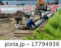 側溝の敷設作業 17794936