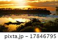 湖 夕方 夕のイラスト 17846795