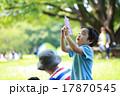 水鉄砲で遊ぶ子供達 17870545