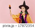 女の子 ハロウィン 仮装の写真 17872354