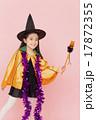 女の子 ハロウィン 仮装の写真 17872355