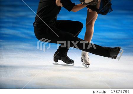 フィギュアスケートのシューズ 17875792