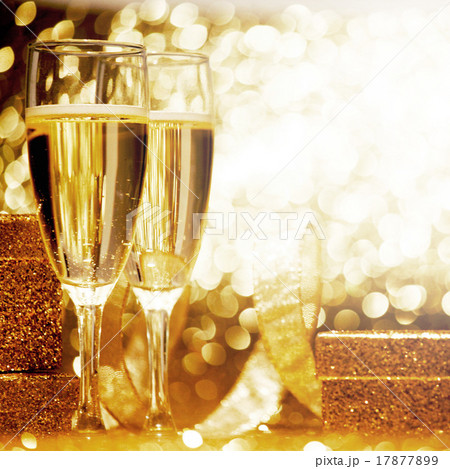 Champagne and giftの写真素材 [17877899] - PIXTA