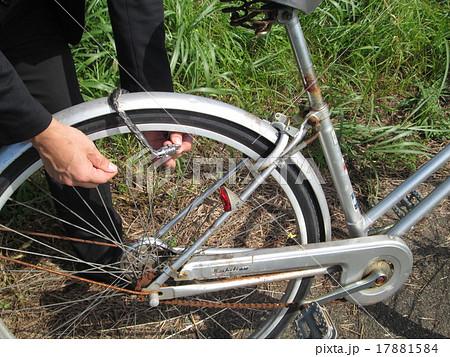 自転車 鍵 防犯 施錠の写真素材 ...