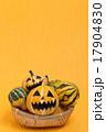 ハロウィンのおもちゃカボチャ 17904830
