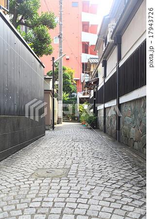 神楽坂の路地裏(石畳)の画像 17943726