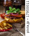 Delicious beef burger  17950011